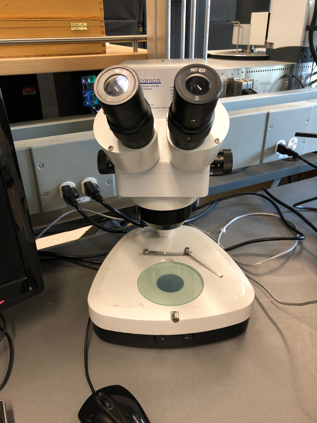 Low Magnification Microscope for Visual Quality Testing